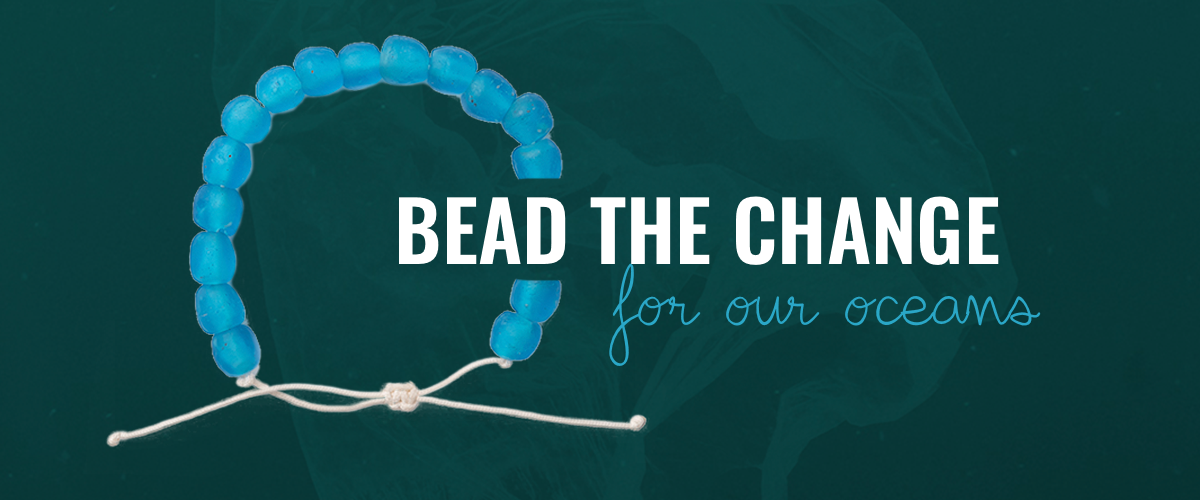 Blue bracelet with the text ''Bead the change for our oceans''